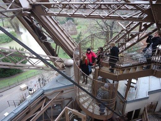 Escalones torre eiffel torre eiffel s mbolo de par s y for Cuantos escalones tiene un piso