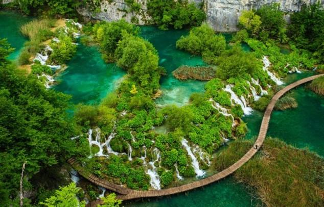 Cascadas en el Parque Nacional de los Lagos de Plitvice, Croacia