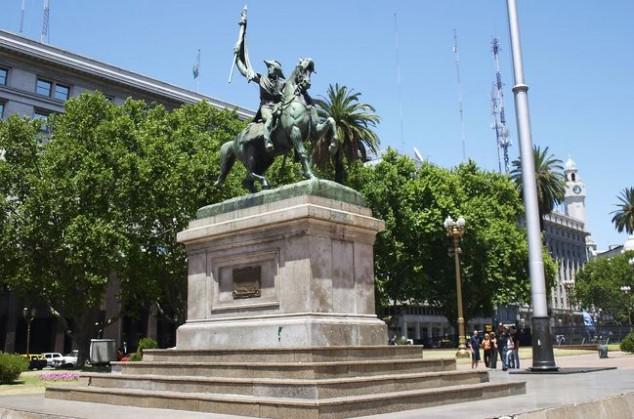 Monumento ecuestre al General Manuel Belgrano Buenos Aires