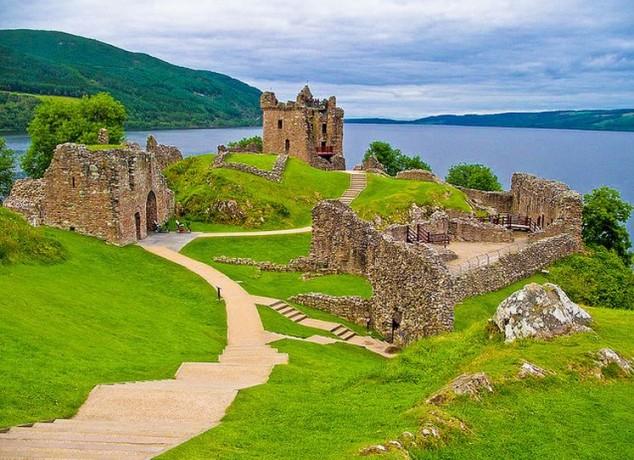Castillo de Urquhart para visitar en escocia
