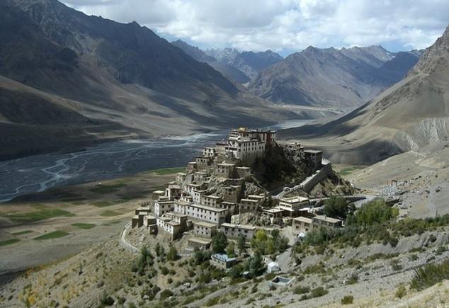Clave Gompa monasterio milenario tibetano budista