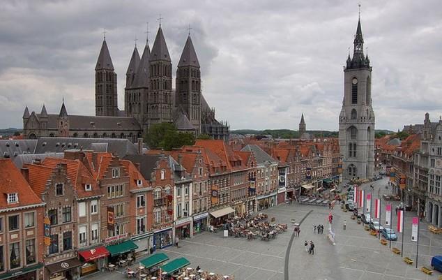 Comunidad pintoresca y encantadora de Tournai