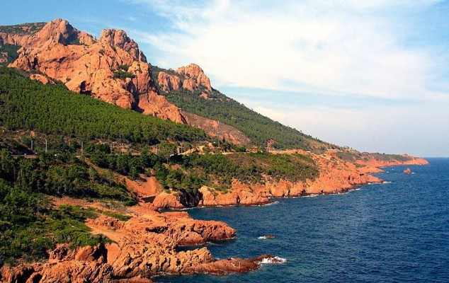 Corniche d'Or o la Costa de Oro en la Costa Azul Francia