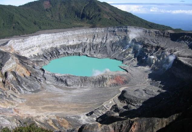 El Volcán Poás, situado cerca de Alajuela
