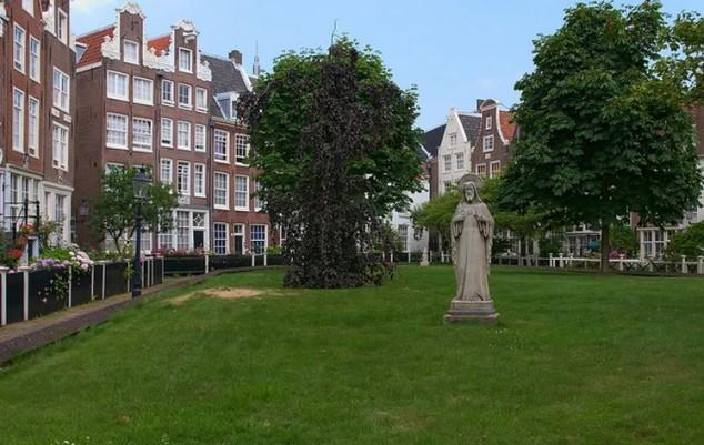 El distrito de Begijnhof, o Patio de beguinas