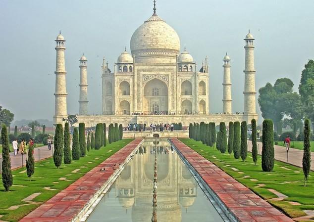 Mausoleo de mármol blanco Taj Mahal