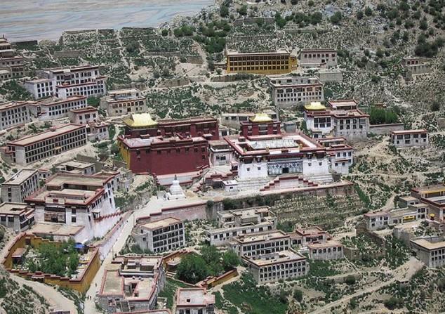 Monasterio Budista Ganden en Tibet
