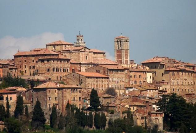 Montepulciano una ciudad medieval en el sur de la Toscana