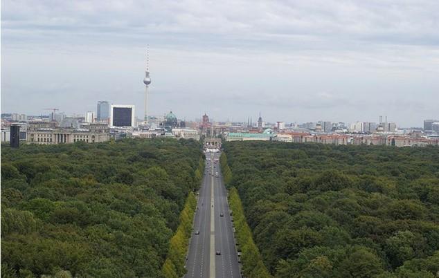 Parque urbano en el centro de Berlín