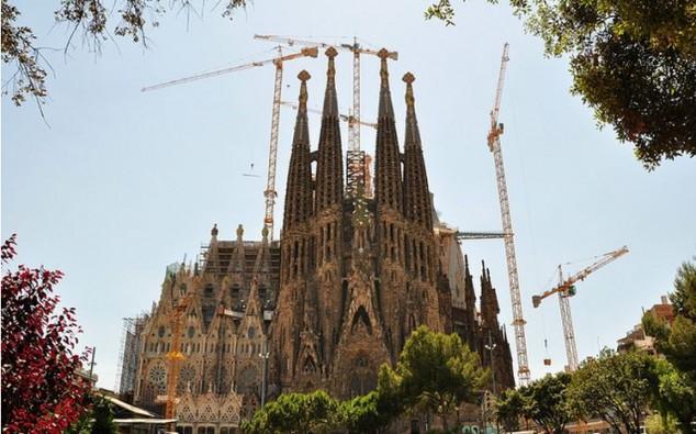 Top 10 atracciones tur sticas en barcelona - Estilo sagrada familia ...