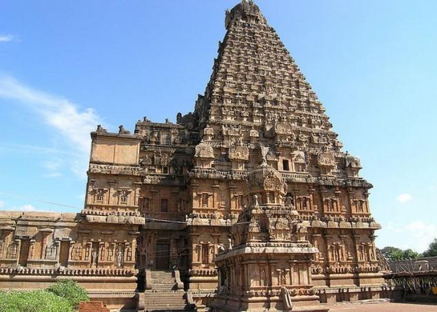 Templo Brihadeeswarar situado en Thanjavur, India