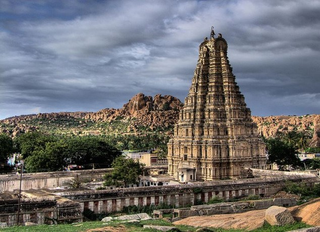 Templo Virupaksha