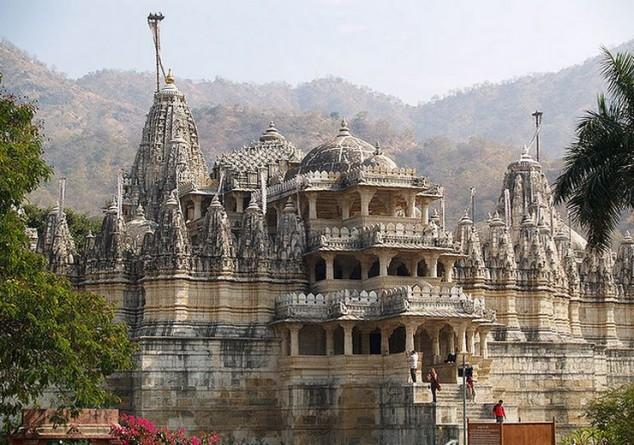 Templo de Ranakpur en Distrito de Pali del Rajastán, al oeste de la India