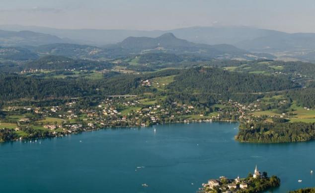 Wörthersee es uno de los más famosos destinos de verano de Austria