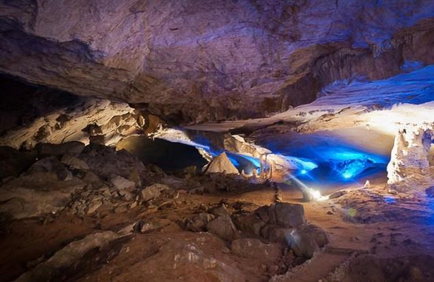 cueva de piedra caliza en el parque nacional de