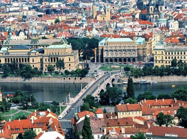 praga moneda Vltava en Praga, el Puente de Carlos