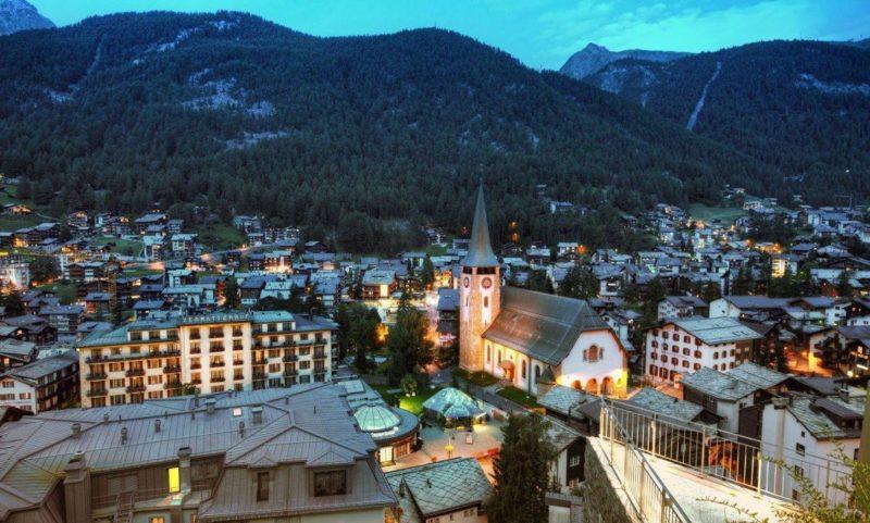 zermatt lugar perfecto para esquiar o escalar en suiza