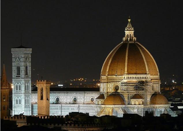 Florencia es la de Santa María del Fiore, la catedral abovedada
