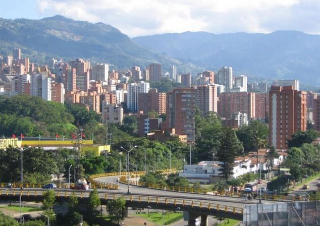 Medellín, Colombia - Eterna Primavera