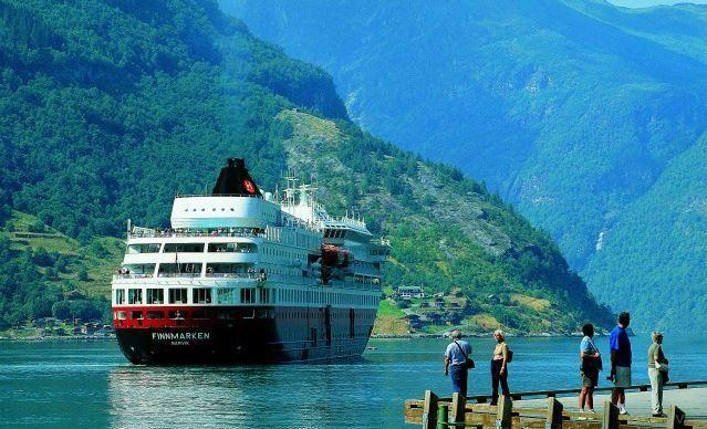 Navegando de Bergen a la Laponia noruega en el Hurtigruten