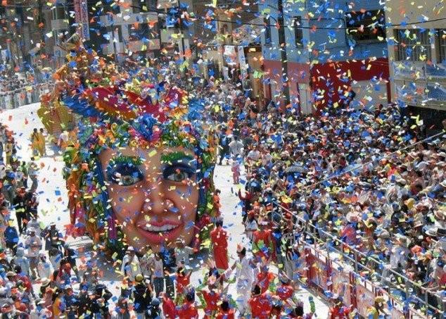 carnaval-de-negros-y-blancos-en-colombia-viajar-en-enero-634x453