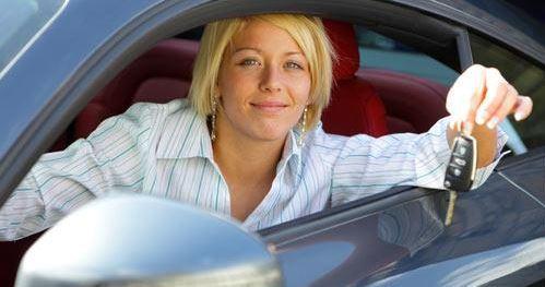como alquilar un coche barato