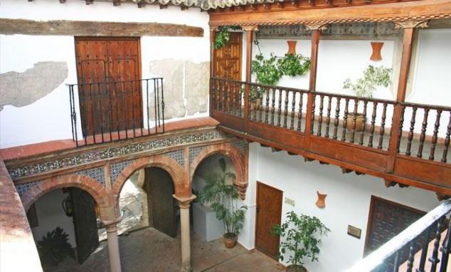 ver Palacio de Mondragón