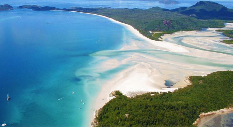 Playa whiteheaven cielo blanco situada en la isla Whitsunday