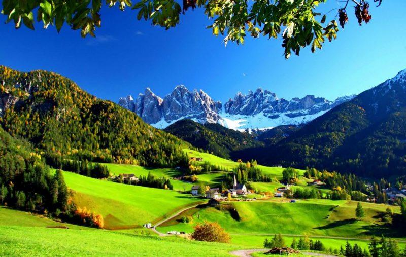 visitar pueblo funes italia