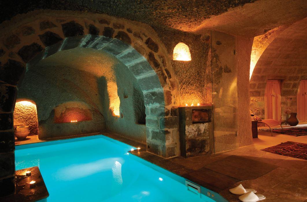 hoteles tematicos cuevas