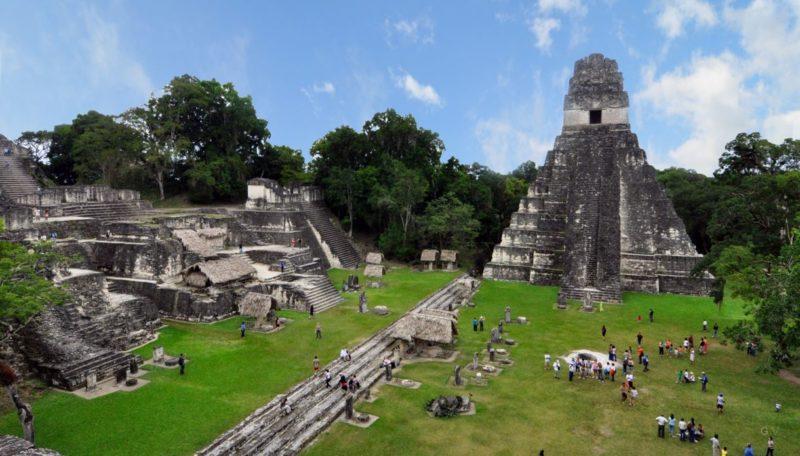 ruinas maya tikal guatemala