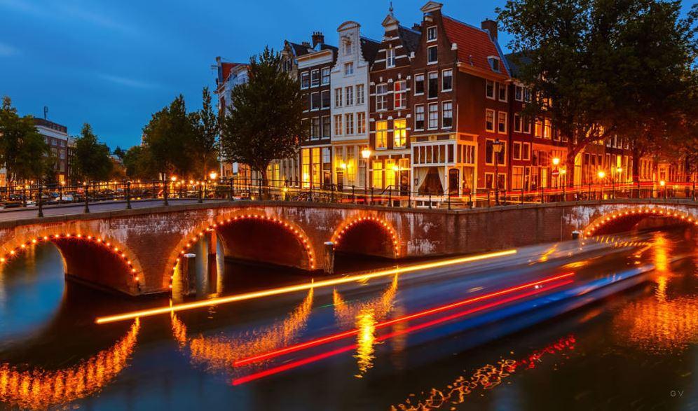 D nde alojarse en msterdam mejores hoteles y zonas donde for Hoteles en el centro de amsterdam