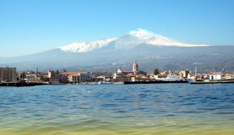 navegar sicilia italia