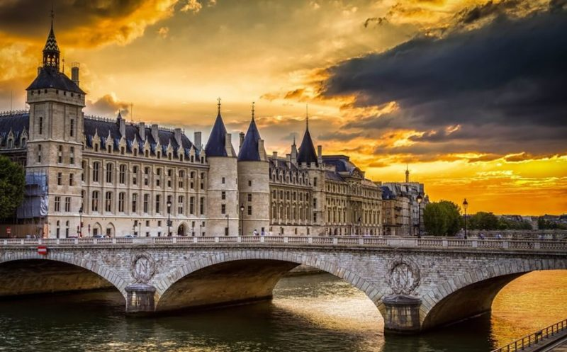 ver en paris conciergerie