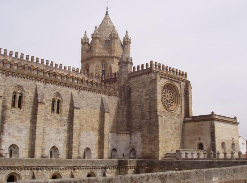 catedral-de-evora-portugal
