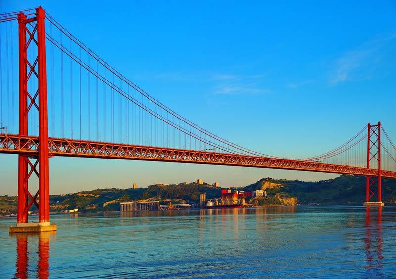 Puente 25 de Abril, El puente más famoso de Lisboa