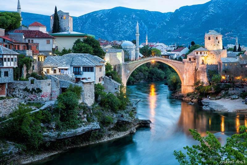 Puente Viejo de la ciudad herzegovina de Mostar