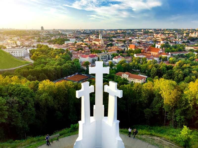 La Colina de las Tres Cruces