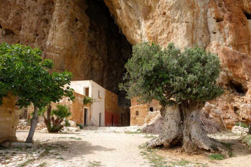 Cuevas de Scurati